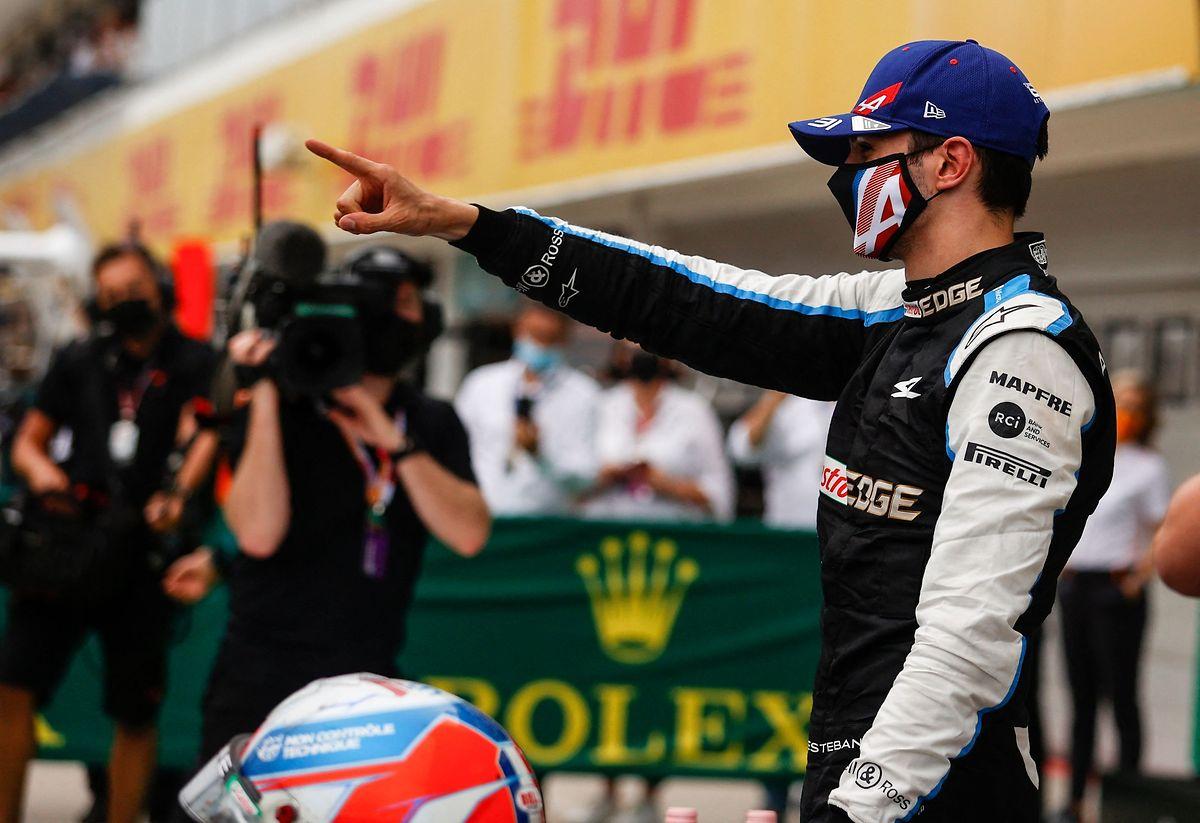 Der Franzose Esteban Ocon gewinnt überraschend in Ungarn.