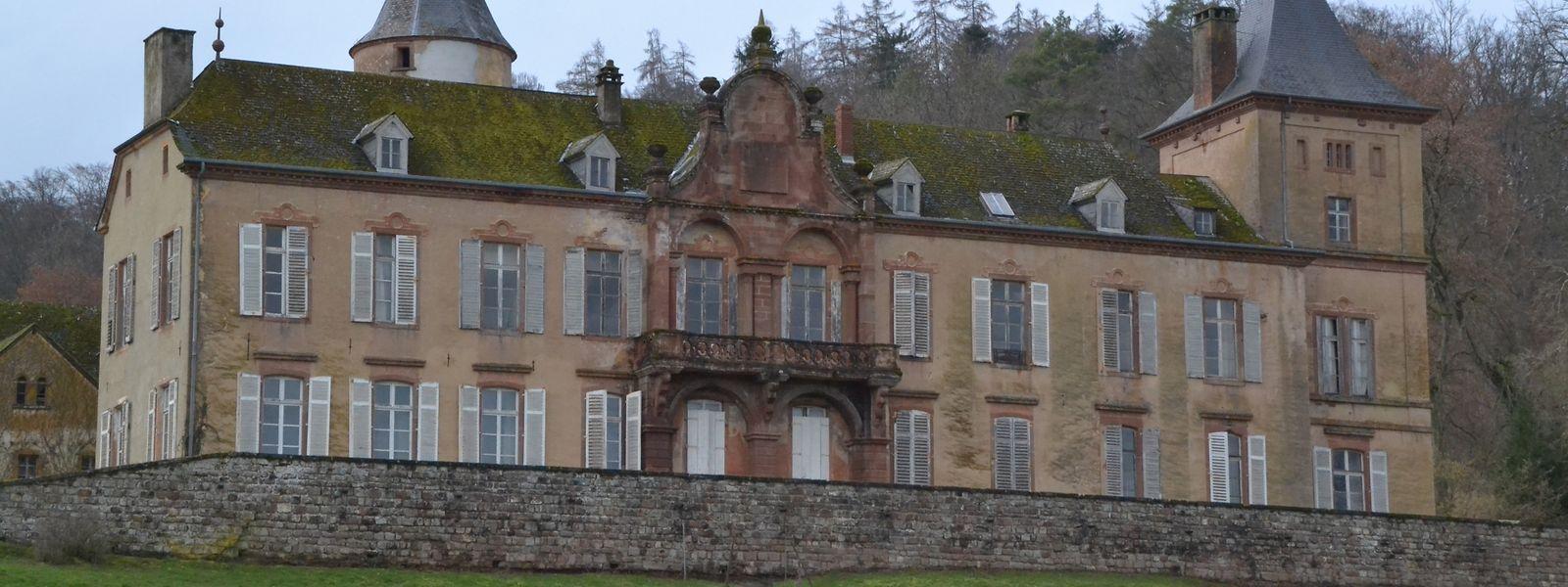 Das Schloss mit seinen Ländereien stand zum Verkauf.