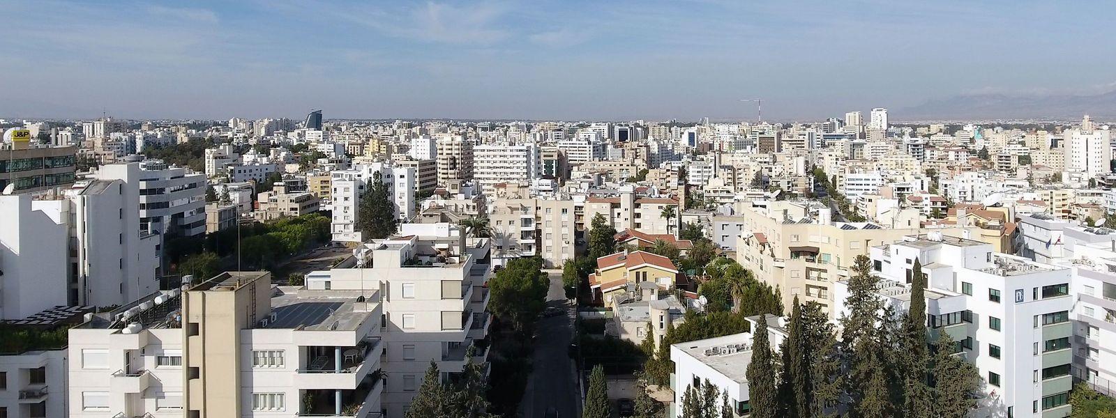Ein Blick auf die Hauptstadt Nicosia: Der zyprische Pass ist begehrt, weil die Mittelmeerinsel seit 2004 Mitglied der EU ist.