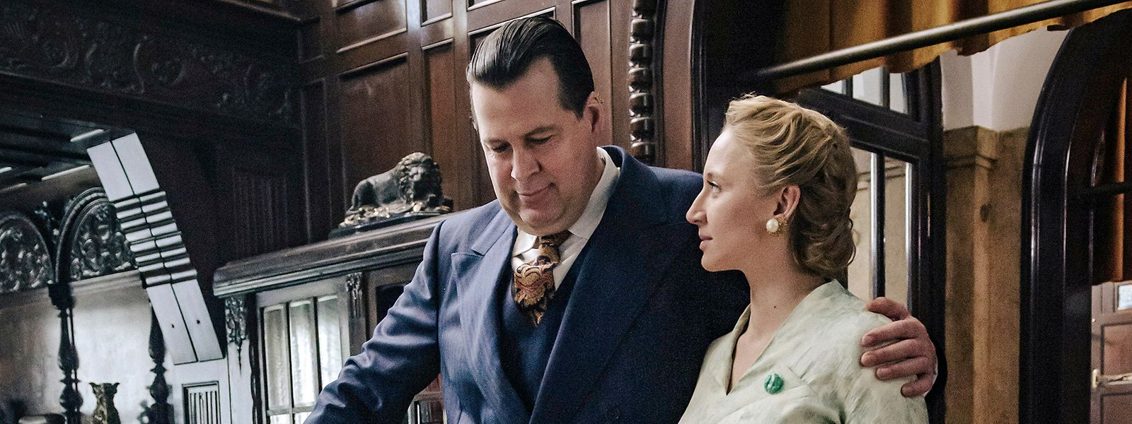 Geschäftsmann Walter Böcker (Hans-Jochen Wagner) und Margot Böcker (Anna Maria Mühe).