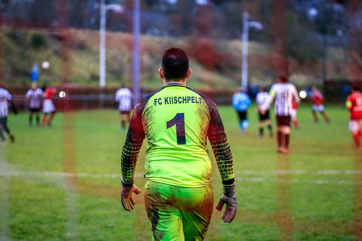 Modesto Agostinho Soares Ribeiro, le gardien du FC Kiischpelt, a fait connaissance avec le terrain boueux
