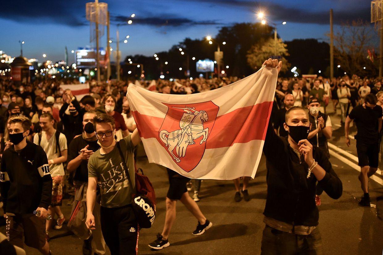 Oppositionelle gingen im ganzen Land auf die Straße.