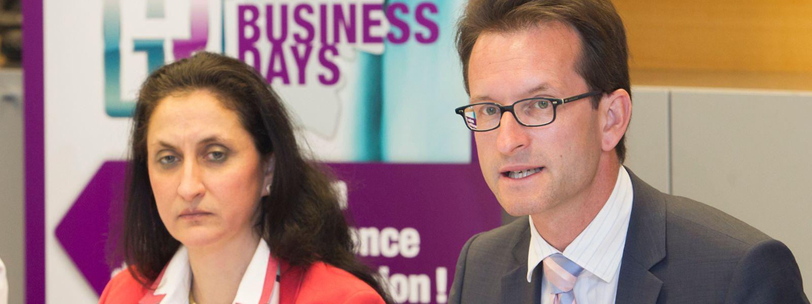 Sie haben sich für die diesjährige Messe einige Neuheiten einfallen lassen: Sabrina Sagramola und der Generaldirektor der Luxemburger Handelskammer, Carlo Thelen.