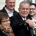 CORRECTION - Alexander Van der Bellen, leader of the Green Party, candidate for presidential election shows journalists how he casted his ballot as he leaves the polling station at the 6th district in Vienna during Austria's Presidential elections on December 04,2016. / AFP PHOTO / APA / ROLAND SCHLAGER / Austria OUT / �The erroneous mention[s] appearing in the metadata of this photo by ROLAND SCHLAGER has been modified in AFP systems in the following manner: [Alexander Van der Bellen, candidate for presidential election] instead of [Alexander Van der Bellen, leader of the Green Party, candidate for presidential election]. Please immediately remove the erroneous mention[s] from all your online services and delete it (them) from your servers. If you have been authorized by AFP to distribute it (them) to third parties, please ensure that the same actions are carried out by them. Failure to promptly comply with these instructions will entail liability on your part for any continued or post notification usage. Therefore we thank you very much for all your attention and prompt action. We are sorry for the inconvenience this notification may cause and remain at your disposal for any further information you may require.�