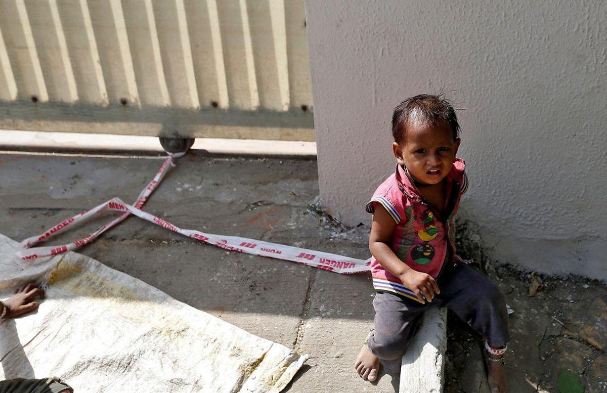 Alltag Indischer Bauarbeiterinnen Vor Der Arbeit Wird Das Kind
