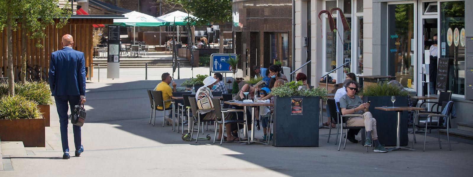 Nach dem gut zweimonatigen Lockdown spielt sich das Leben in Düdelingen wieder verstärkt draußen ab.