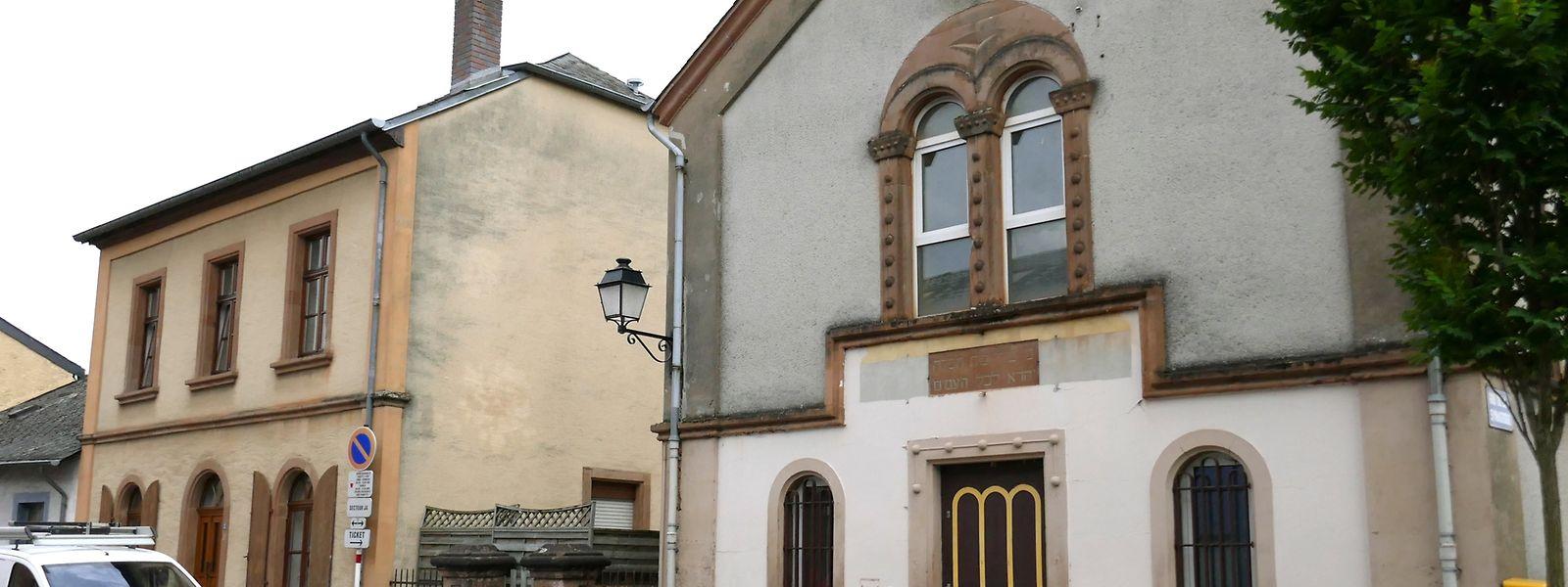 Als einzige in Luxemburg hat die Synagoge in Ettelbrück (r.) den Zweiten Weltkrieg überlebt.