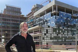 Alain Berwick démissionnera, fin 2016, en tant que directeur général de RTL Télé Lëtzebuerg. Cette photo a été prise cet été devant le nouveau siège de RTL en construction au Kirchberg.