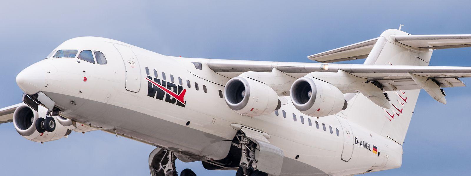 Ein Flugzeug vom Typ British Aerospace BAe 146 der deutschen Fluggesellschaft WDL Aviation.