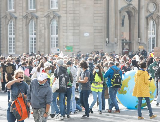 The march took off at the Gare train station at 10AM on Friday