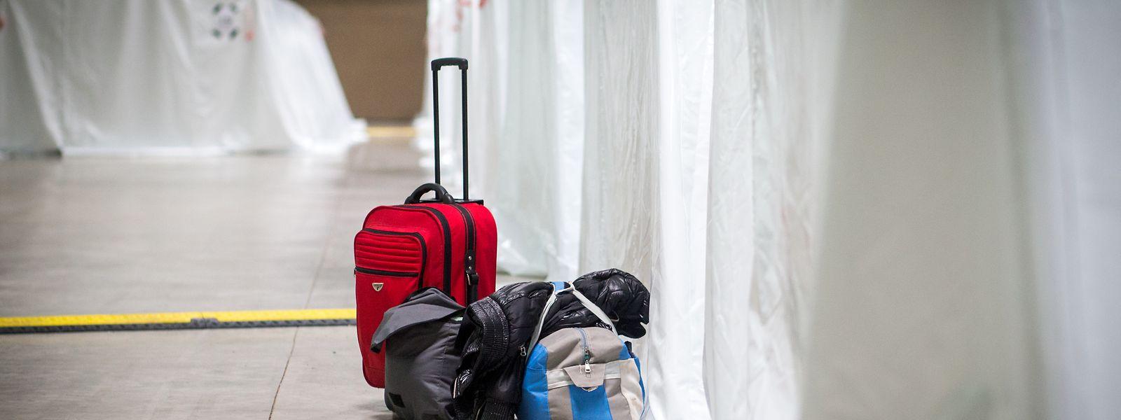 Abgelehnte Asylbewerber werden in der SHUK untergebracht. Sie stehen dort unter Hausarrest und ständiger Beobachtung von Menschen in Uniformen. Das muss aufhören, sagt der Luxemburger Flüchtlingsrat.