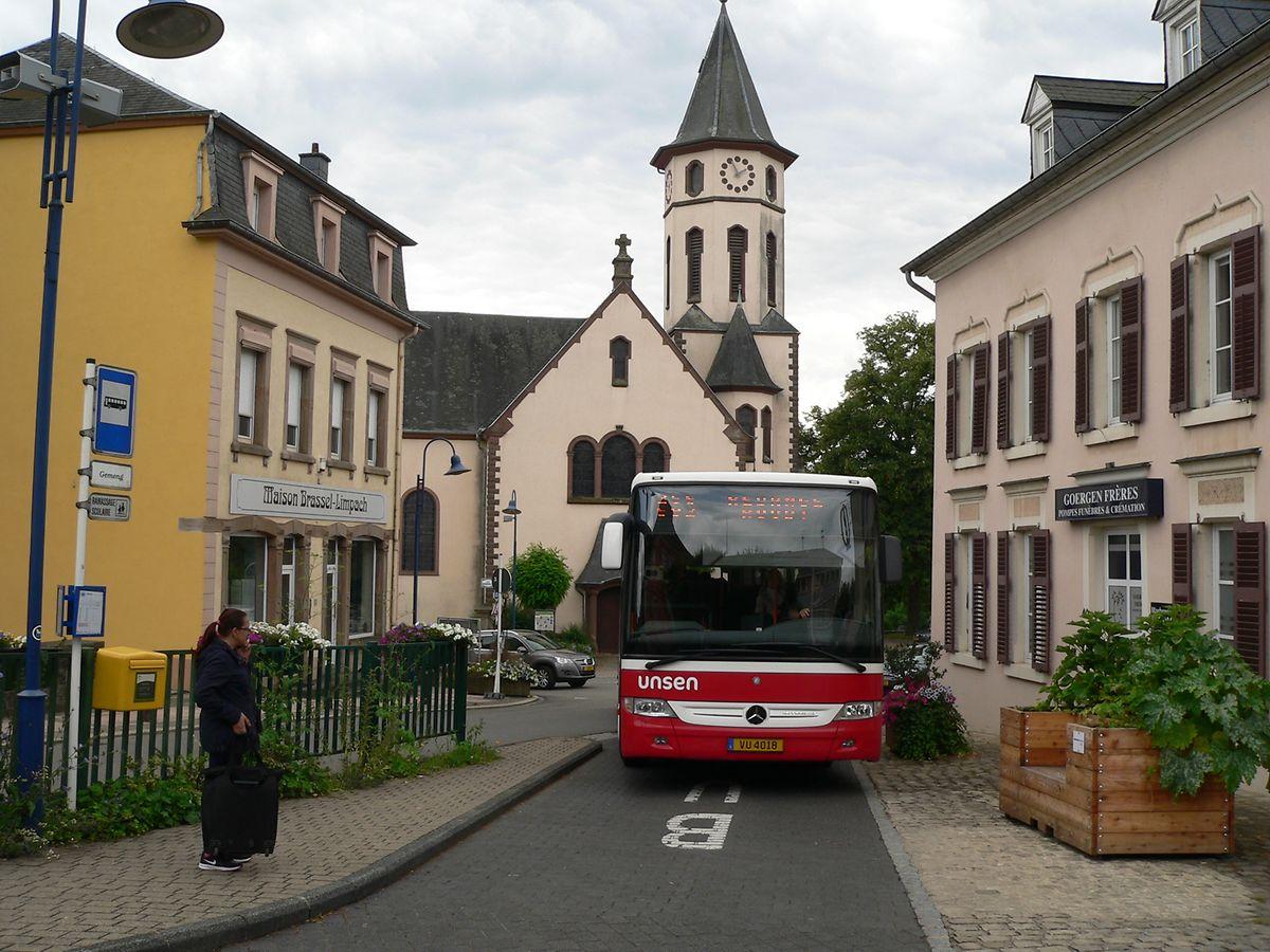 Bushaltestelle in Redingen
