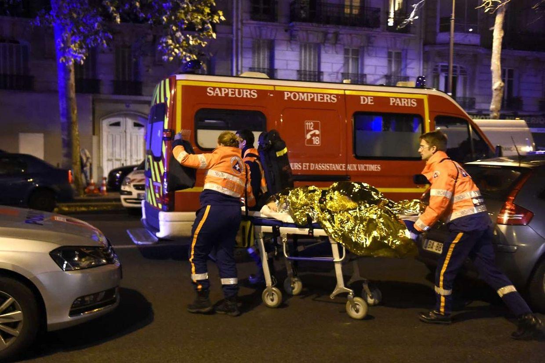Vendredi soir, les secours auprès des blessés