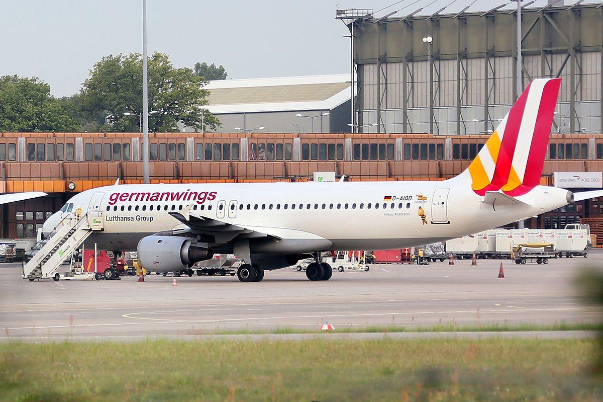 Das Foto zeigt einen Airbus 320 der Fluggesellschaft Germanwings.