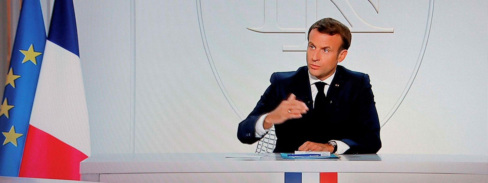 Macron kündigte in einem TV-Interview erneute Ausgangssperren an.