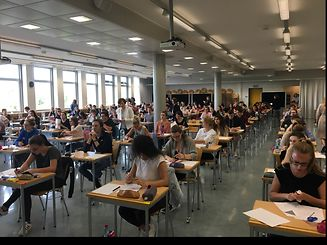 High school pupils from the Lycée Aline Mayrisch and all other secondary schools across the country started their final exams on Wednesday.