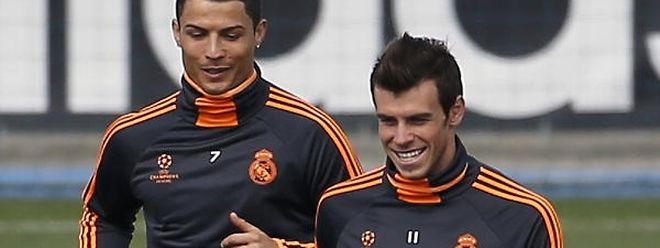 Cristiano Ronaldo (l.) und Gareth Bale wechselten für knapp 200 Millionen Euro zu Real Madrid.