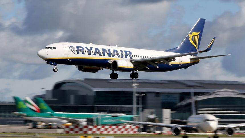 La première compagnie européenne en nombre de passagers transportés avait été contrainte d'annoncer mercredi une série d'annulations concernant 18.000 vols entre novembre et mars 2018, affectant 400.000 clients.