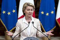 Ursula von der Leyen attend toujours les propositions françaises et italiennes.