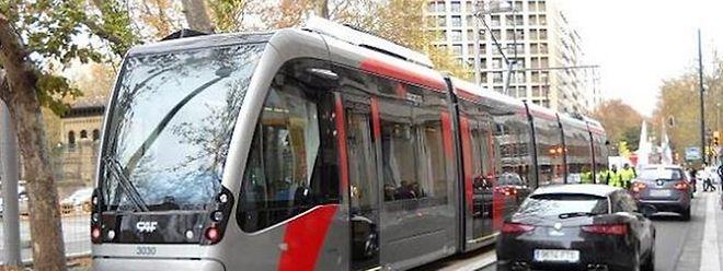 A Saragosse en Espagne, le tram fonctionne déjà sans caténaires.