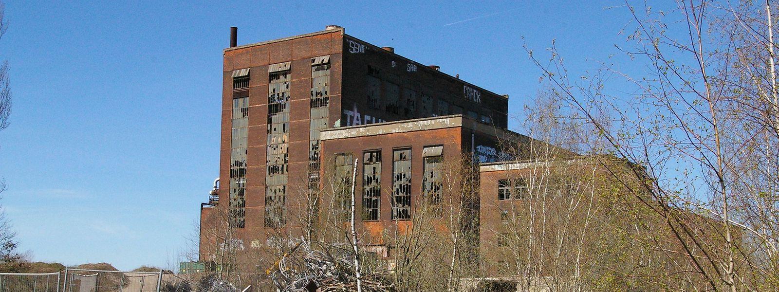 """Bereits abgerissen wurde der """"poste d'aiguillage"""", der sich vor dem imposanten Gebäude aus dem Jahre 1953 befand."""