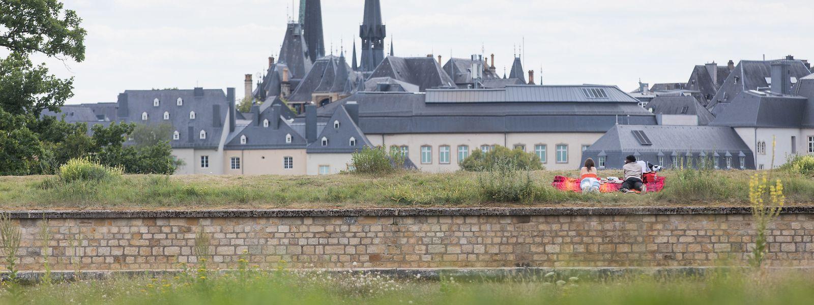 Der Panorama-Blick von den Dräi Eechelen zieht in diesem Jahr besonders viele Menschen an.