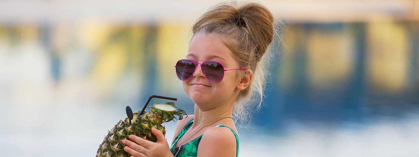 Cocktail am Pool und Kinderdisco: Immer mehr Hotels sehen Kinder als wichtige Gäste.
