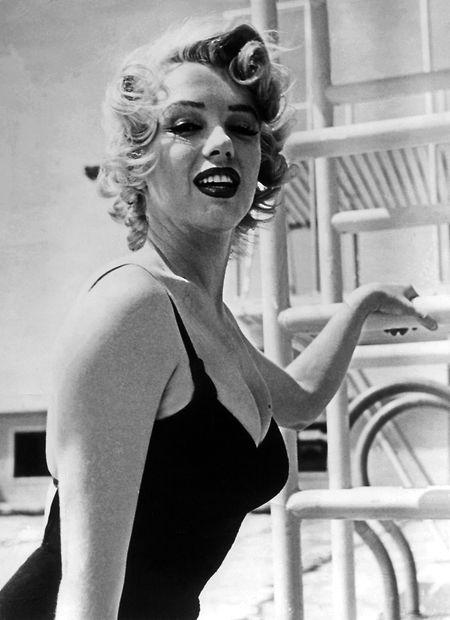 Die amerikanische Schauspielerin Marilyn Monroe: Der Luftkuss der Hollywood-Legende wird zu einem ihrer Markenzeichen.