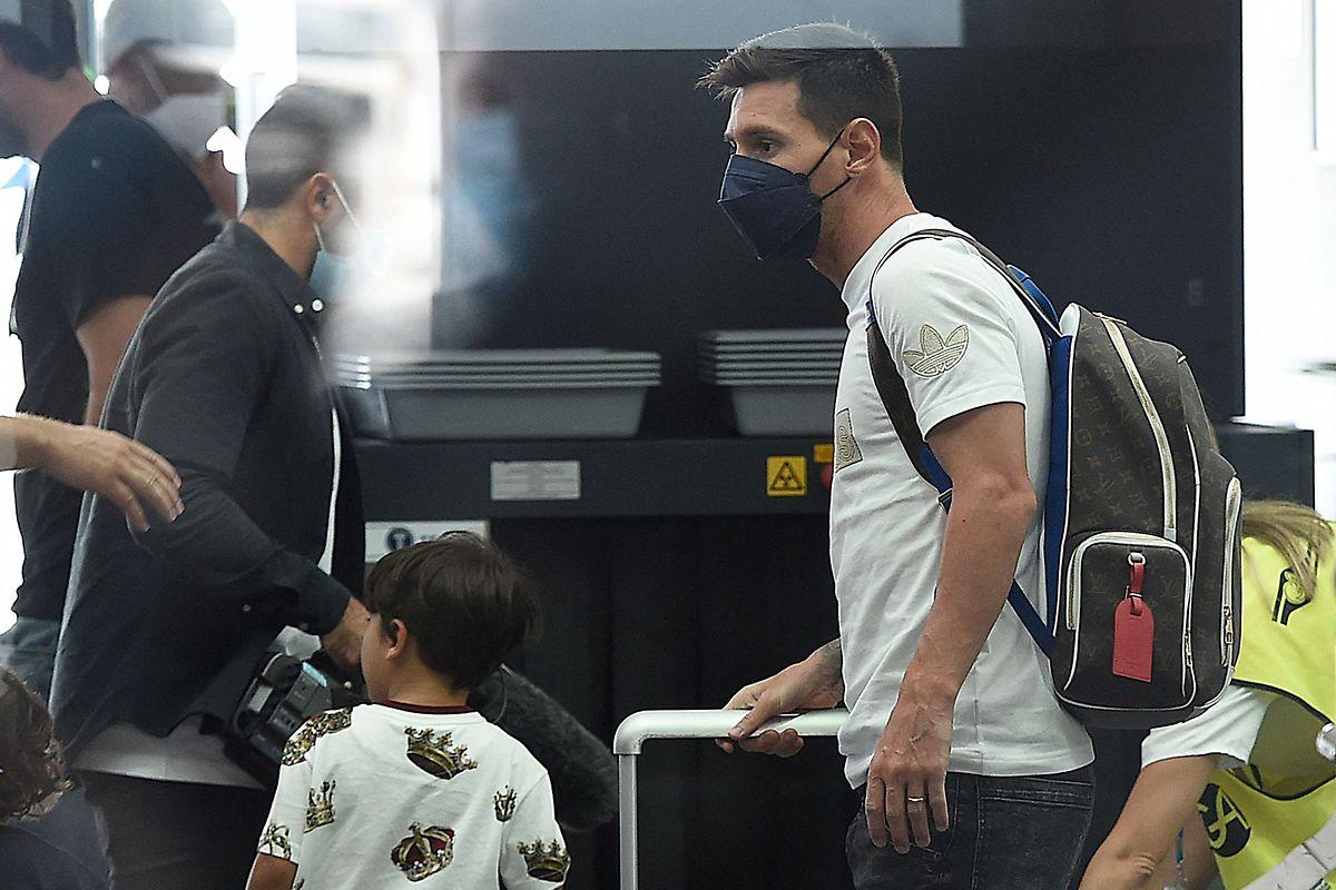 Lionel Messi auf dem Weg nach Paris.