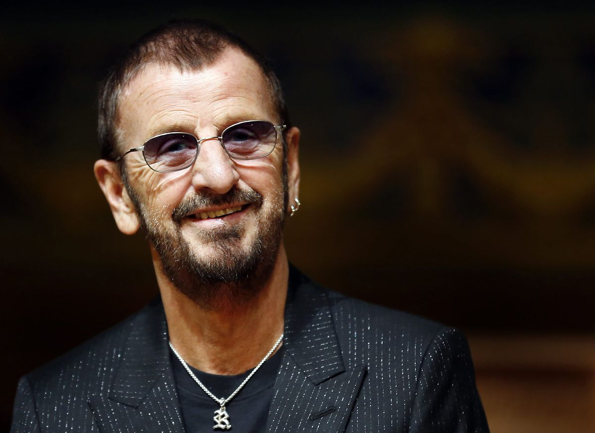 """Nach der Trennung der Beatles begann er eine Solokarriere, deren Höhepunkt das Album """"Ringo"""" (1973) war."""