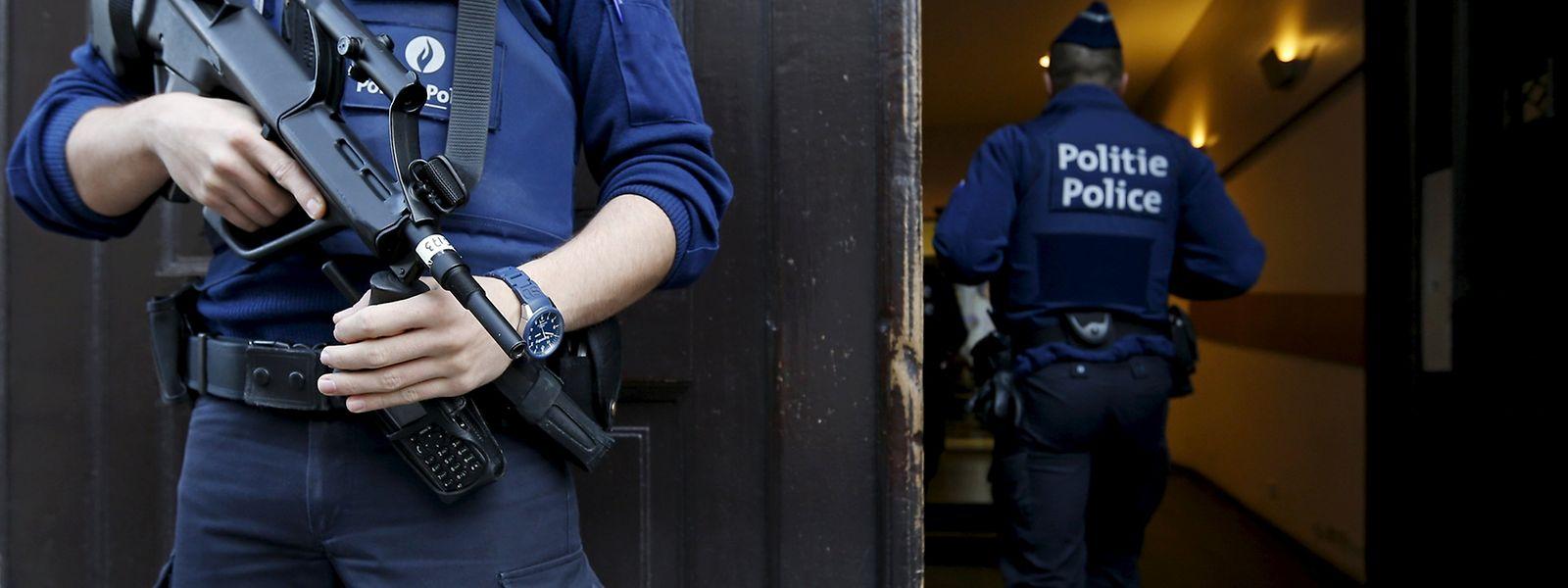 Die belgische Polizei konnte zwei Verdächtige dingfest machen.
