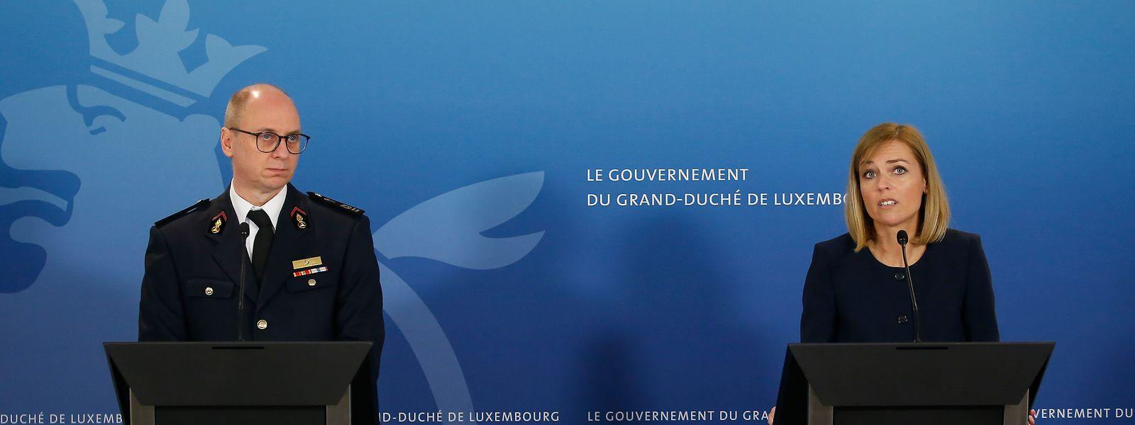 Paul Schroeder, directeur général du CGDIS et Taina Bofferding, ministre de l'Intérieur.