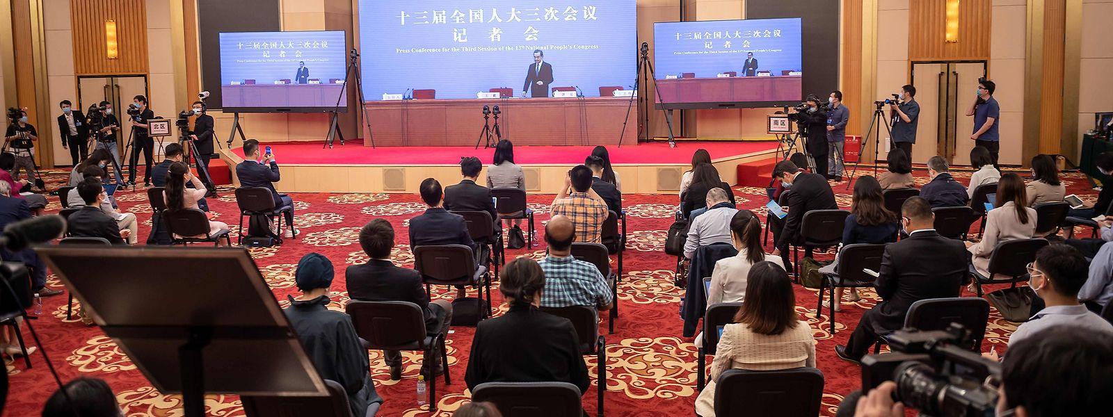 Minister Wang Yi sprach per Video-Schaltung zur Presse.