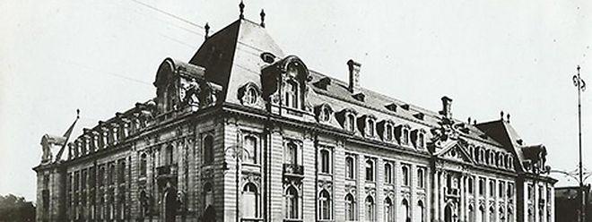 Carte postale du siège de l'Arbed à sa sortie de terre en 1922.