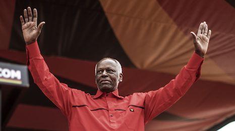 President Jose Eduardo dos Santos bei einer Wahlveranstaltung der MPLA.