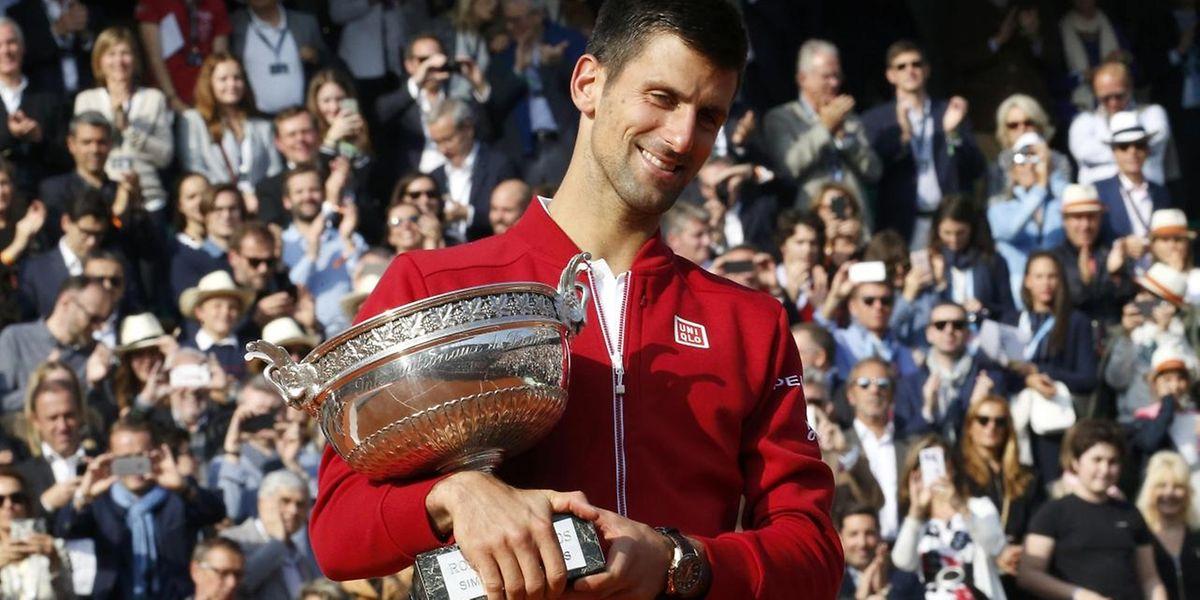 En s'imposant sur la terre battue de la Porte d'Auteuil, Novak Djokovic a réussi le Grand Chelem à cheval sur deux saisons.