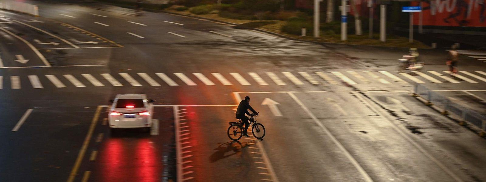Die chinesische Stadt Wuhan gilt als Epizentrum des Ausbruchs des neuen Virus. Die Straßen dort sind wie leer gefegt.