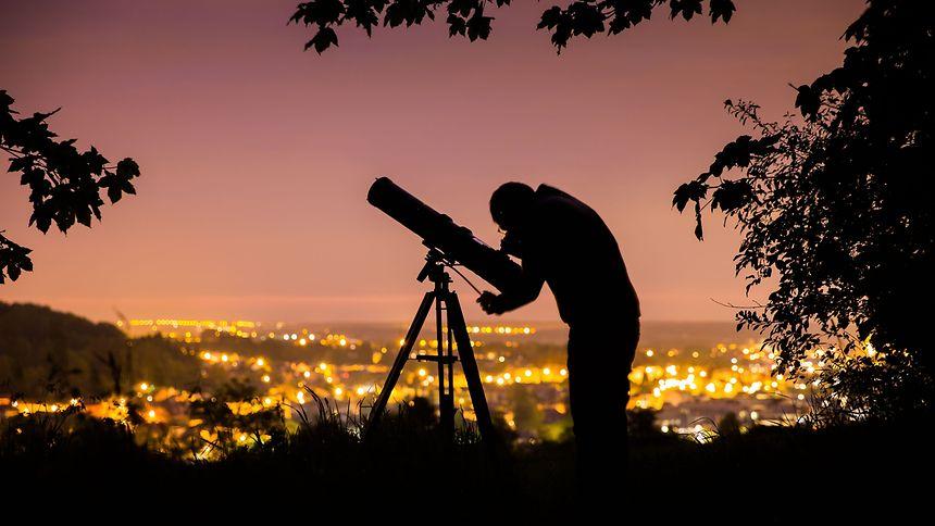 Keine guten Aussichten: nicht nur Hobbyastronomen beklagen sich über zu helle Nachthimmel.
