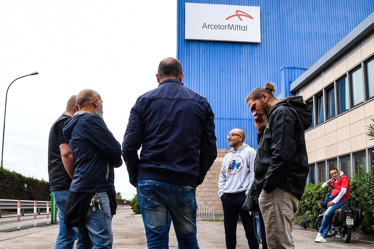Arbeiter und ihre Gewerkschaften wehren sich vehement gegen eine Schließung des Unternehmens.