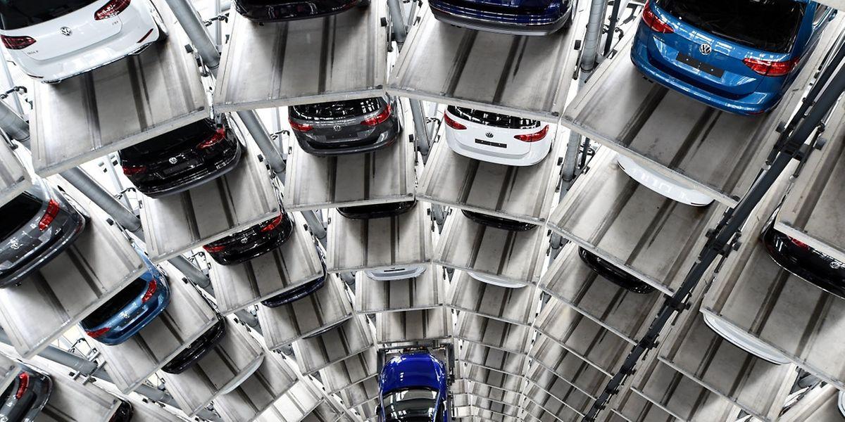 Der VW-Mitarbeiter hatte vor dem Bezirksgericht in Detroit zugegeben, am Konzernsitz in Wolfsburg und später in den USA Teil einer fast zehn Jahre andauernden Verschwörung gewesen zu sein.