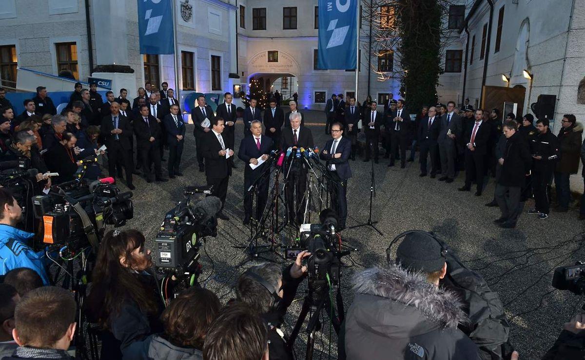 Die Politiker traten in Seeon gemeinsam vor die Presse.