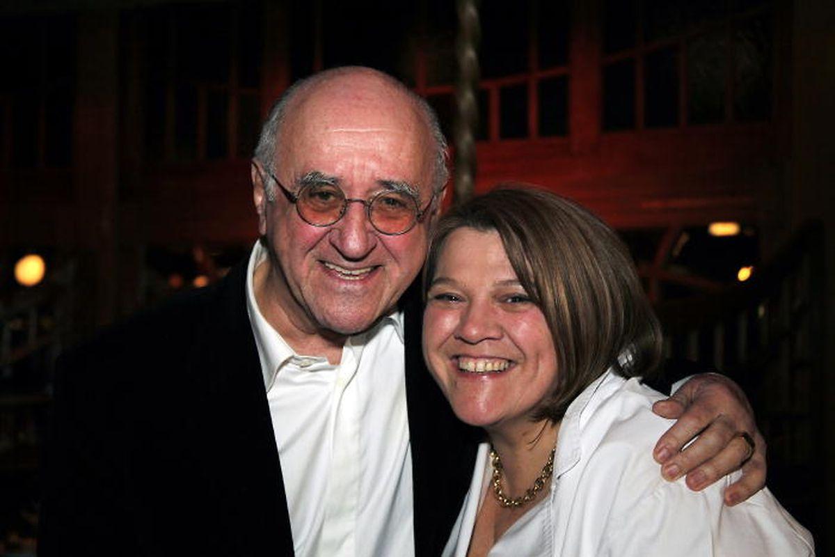 Kulinarisches Duo: Alfred Biolek zählt zu den zahlreichen prominenten Weggefährten von Léa Linster. Auch mit Reiner Calmund verbindet die Sterneköchin eine lange Freundschaft.