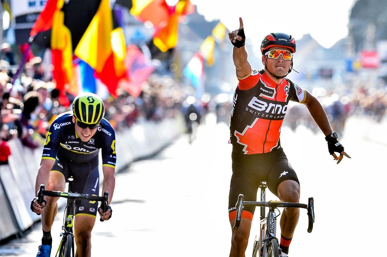 Greg Van Avermaet (BMC Racing Team) s'impose devant Jens Keukeleire (Orica-Scott)