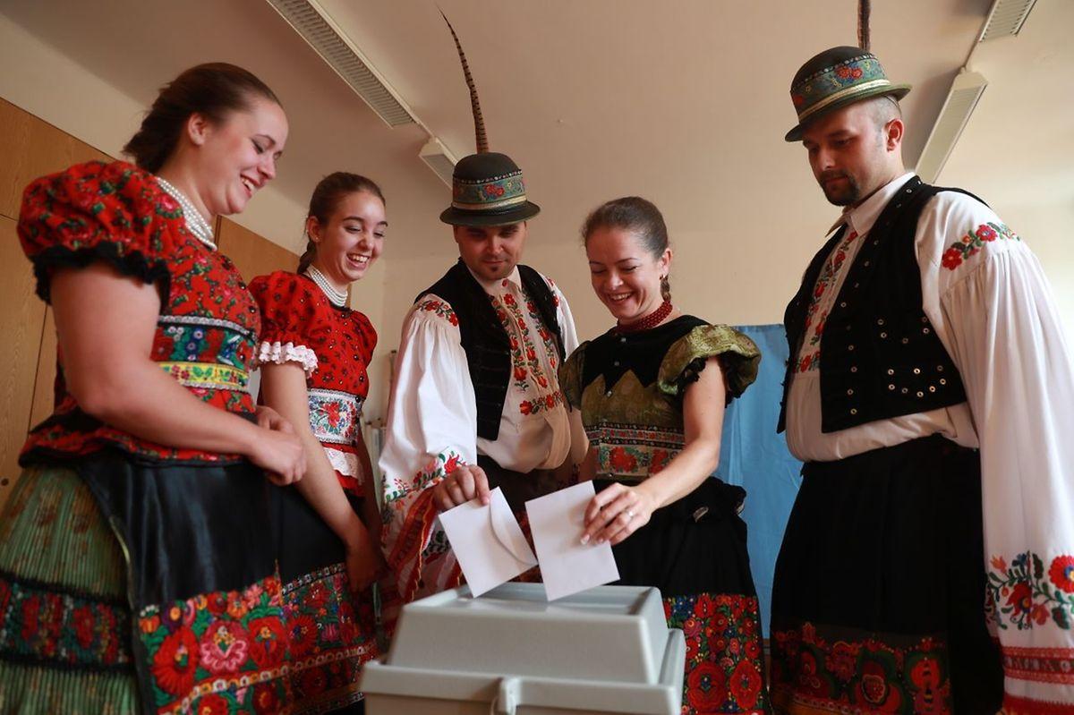Ungarische Wähler beim Referendum am Sonntag.