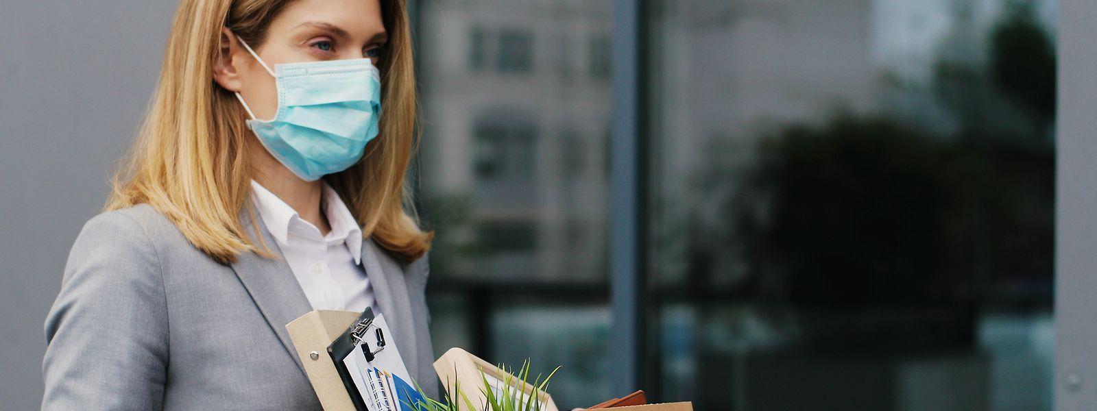 Viele Unternehmen bekommen die wirtschaftlichen Folgen der Corona-Pandemie zu spüren – und müssen sich in den schlimmsten Fällen von Mitarbeitern trennen.