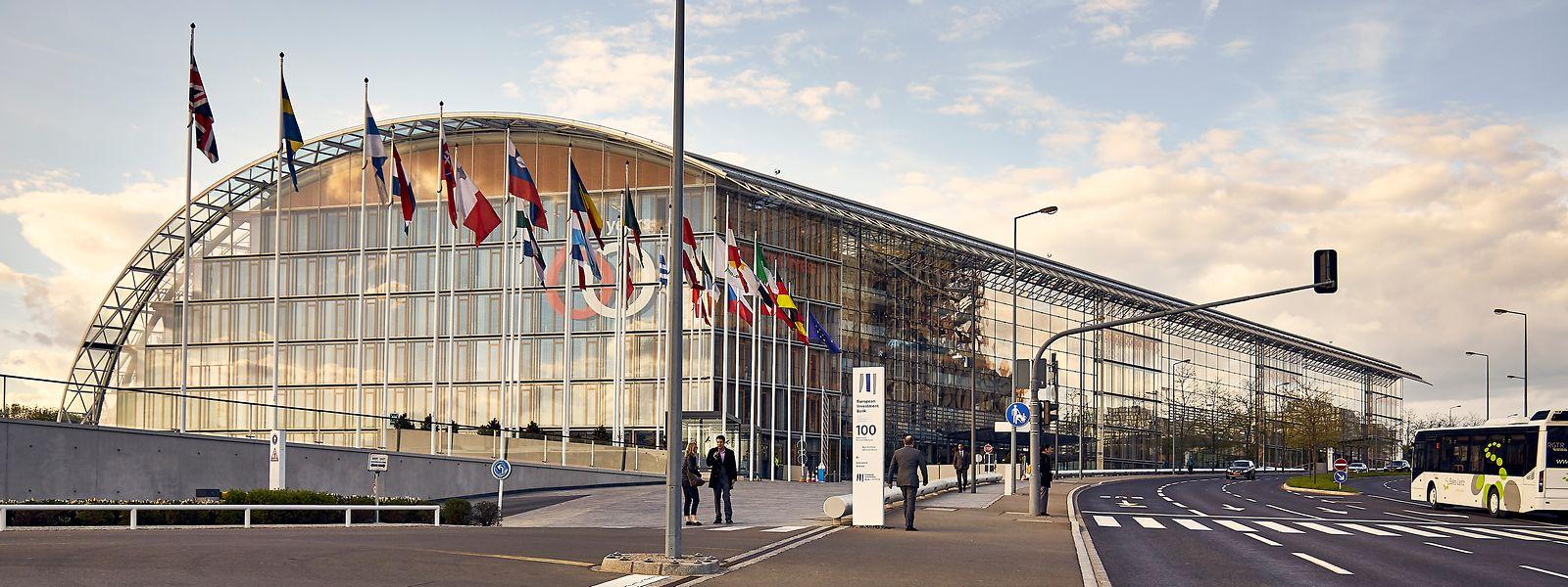Die Europäische Investitionsbank steht unter dem Vorwurf, in der Vergangenheit nicht genug für die psychische Gesundheit ihrer Mitarbeiter getan zu haben.