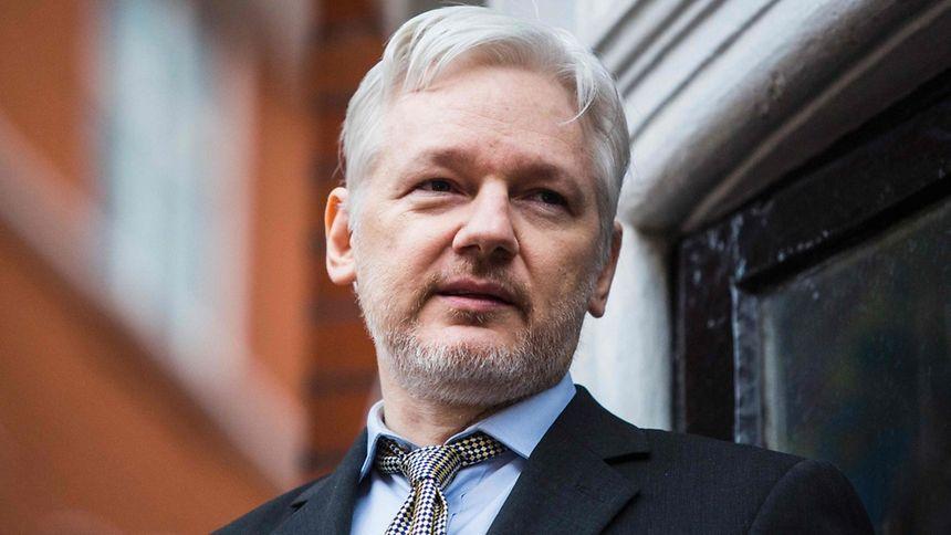 Assange hält sich seit 2012 in der ecuadorianischen Botschaft in London auf.