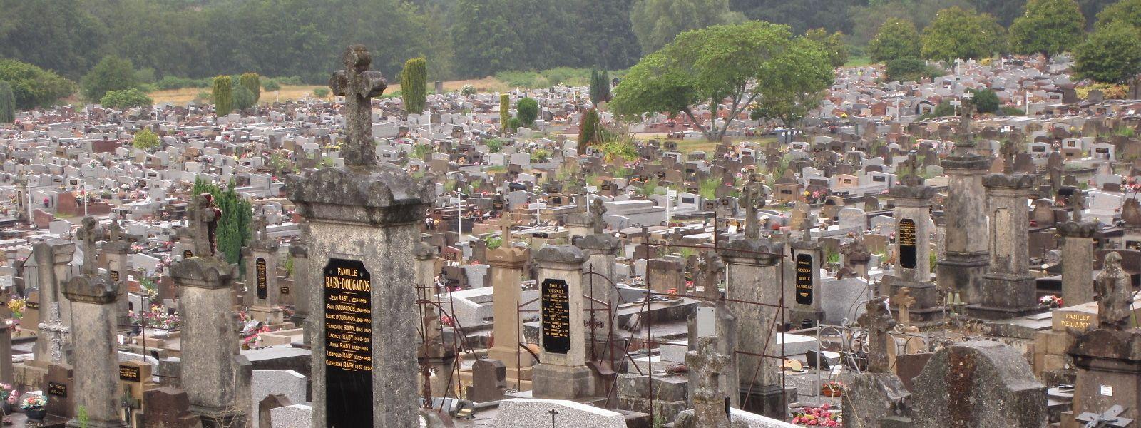 Auf 35 Hektar sind etwa 200000 Verstorbene gebettet – bei weitem mehr, als die Stadt Limoges Einwohner hat