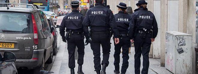 Falsche Polizisten in Hesperingen unterwegs. Die Täter sprechen Französisch und haben gefälschte Polizei-Ausweise.