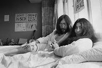 Sieben Tage verbrachten John Lennon und seine Frau Yoko Ono 1971 in einem Hotelbett in Amsterdam - eine viel beachtete symbolische Aktion für den Weltfrieden.